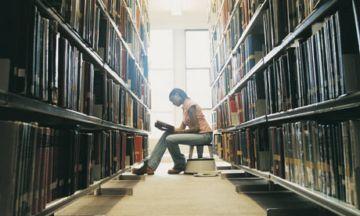 University-Student-002
