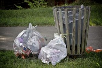 american-trash-1-1195990-m Copy