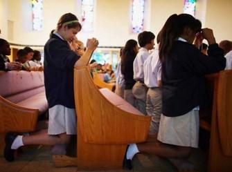 praying students Copy