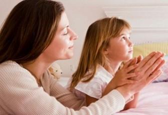 mom and child pray Copy
