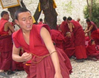 tibetan-buddhist-monks Copy