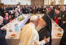 paus-fransiskus-bertemu-pemimpin-agama-sedunia Copy