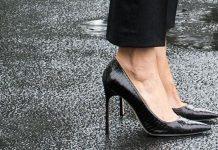 sepatu berhak tinggi